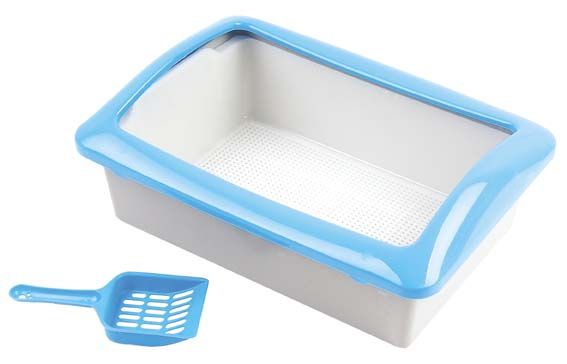 Common cat litter pan with scoop